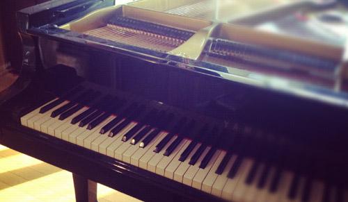 piano_room.jpg